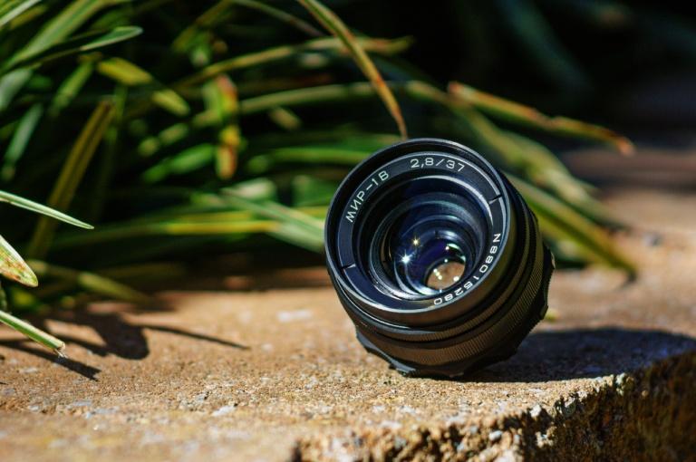 Sony NEX-5T w/ Nikon Nikkor 180mm f/2.8